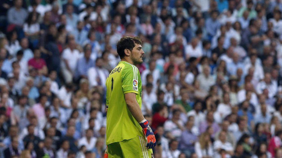 La reacción de Casillas a los pitos del Bernabéu.