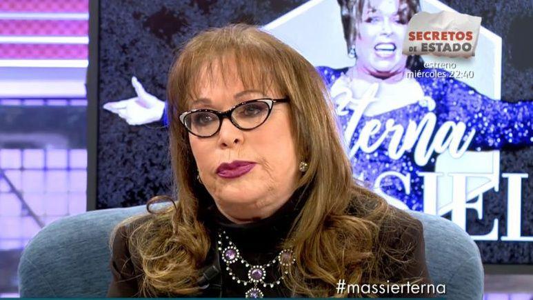 La avilesina Laura González en las audiciones a ciegas de«La Voz».Massiel en el programa «Sálvame» de Telecinco