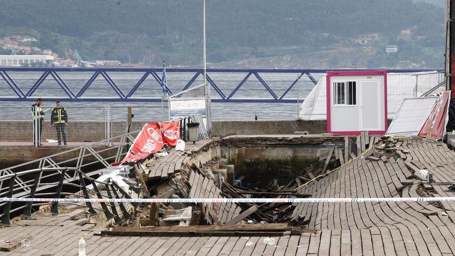 Más de 310 heridos, cinco graves, tras ceder el suelo en O Marisquiño (Vigo), concierto de entrada libre. I13g8025