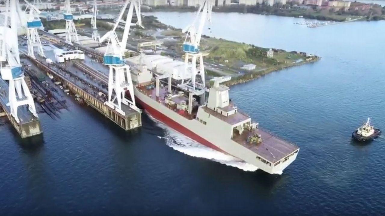 La botadura en Navantia Ferrol del buque australiano Nuship Supply, a vista de dron.Nervión es el principal subcontratista de Navantia en el sector de la eólica marina