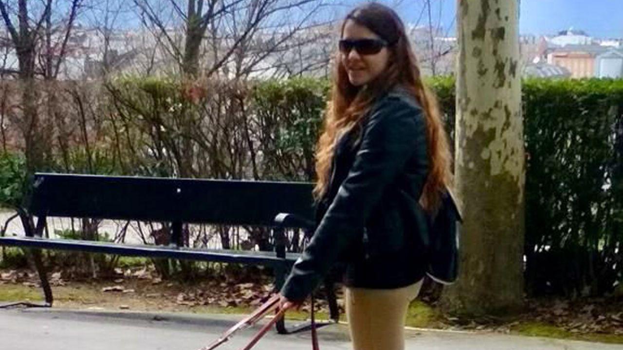 Jacqueline Duarte tiene a su perra guía Quinn desde hace un año