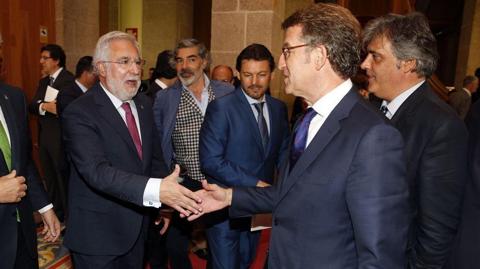 Santalices saluda a Feijoo y a Pedro Puy, que seguirá como portavoz del PP