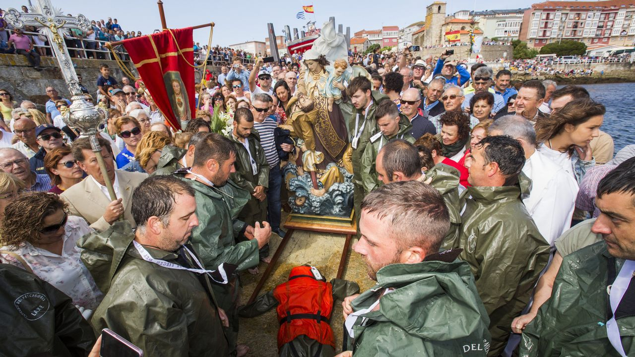 ¡Mira cómo fue el Naufraxio y la procesión marítima de Laxe!