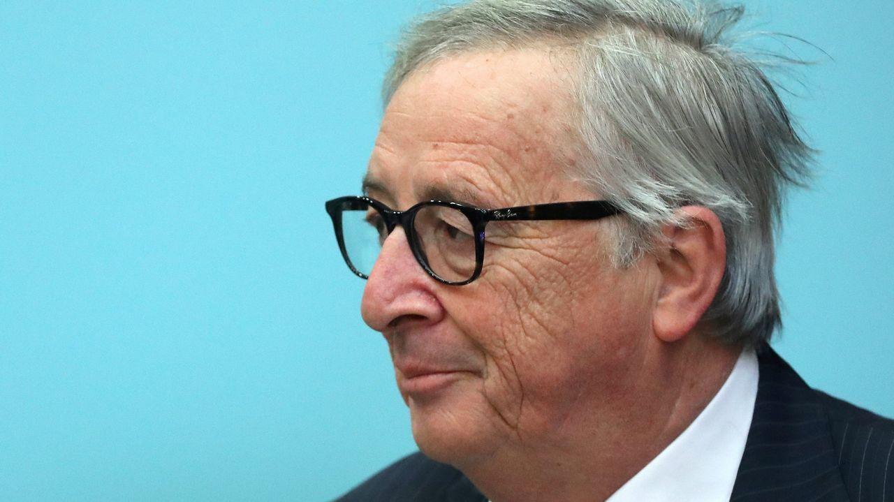 Juncker citó a la primera ministra británica para este miércoles a las 18.30 horas