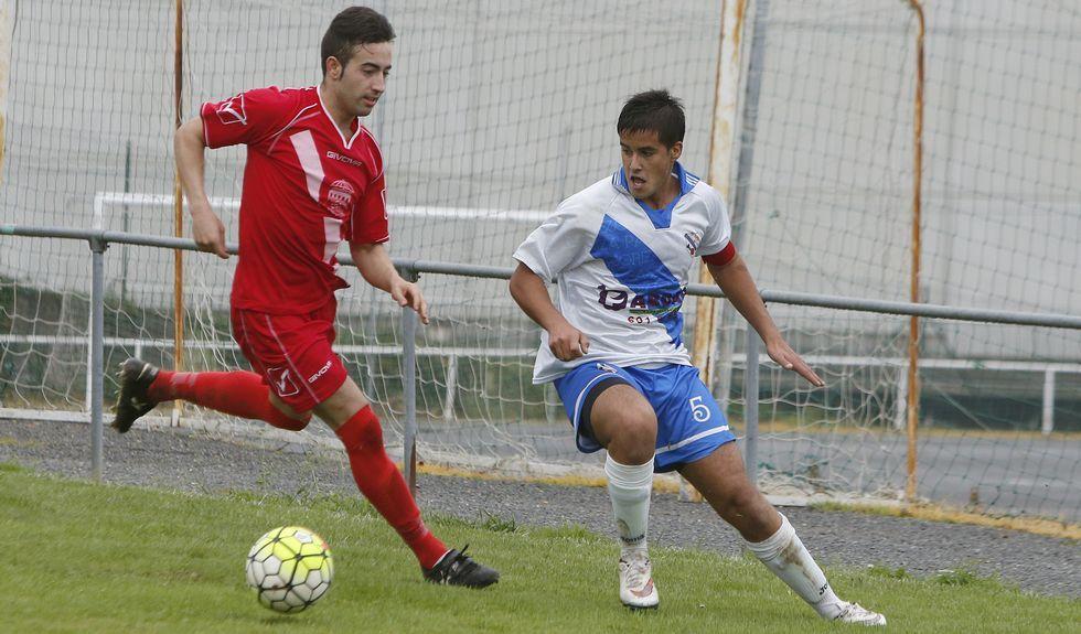 El Sporting Burgo (de rojo) contra el Pastoriza.