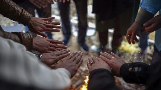 Miles de refugiados siguen bloqueados en la frontera entre Croacia y Serbia