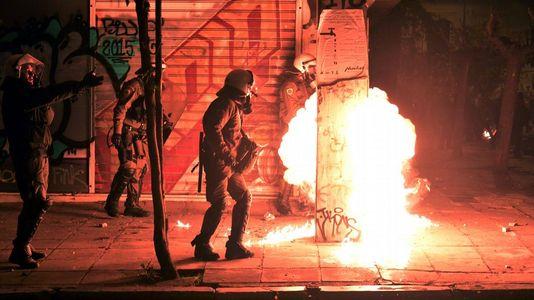 Protestas en las calles de Atenas por la visita de Obama