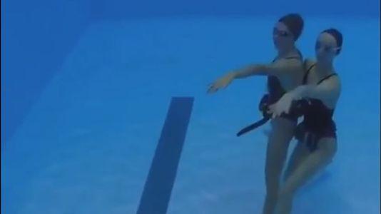 ¿Te atreves a hacer un «mannequin challenge» debajo del agua?