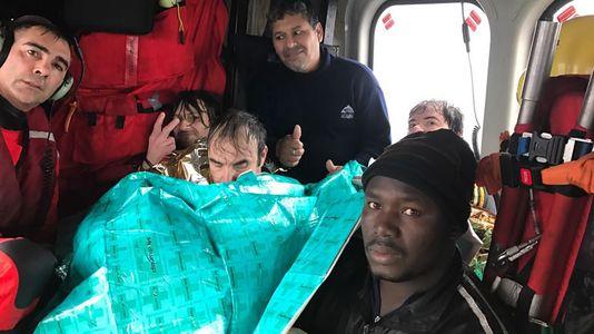 Marineros del pesquero hundido son atendidos en hospitales de Gijón