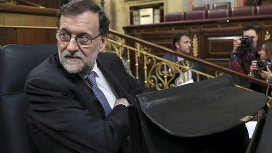Rajoy al ser preguntado por la falta de apoyos al decreto de la estiba: «¡Qué cosas!»