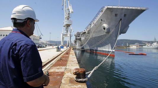 El adiós del «Príncipe de Asturias» a Ferrol
