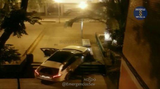 Aparece con su coche en Sevilla y le pregunta a un policía si ha llegado a Badajoz