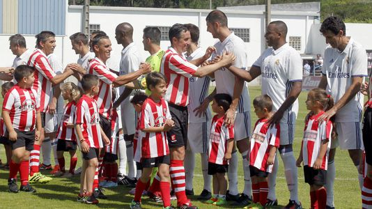 Los veteranos del Real Madrid visitan al Céltiga en el Salvador Otero