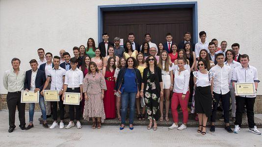 Jornada de despedidas y reconocimientos en el colegio Manuela Rial Mouzo