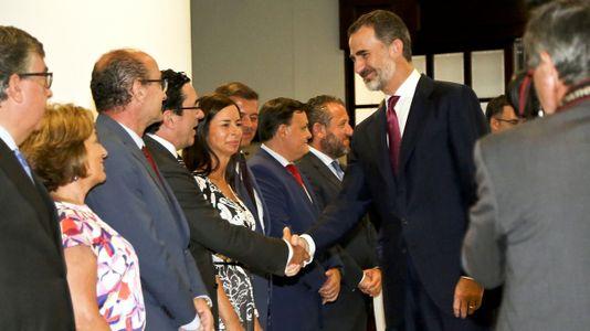 Felipe VI pide a los empresarios gallegos que no pierdan nunca sus señas de identidad
