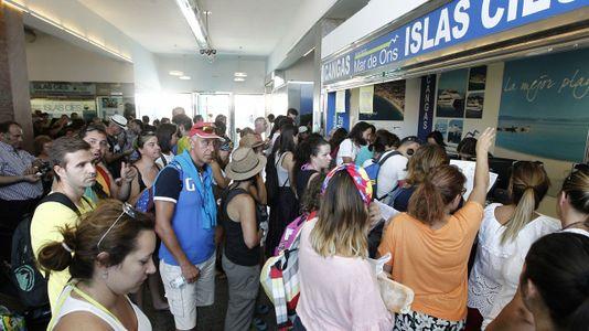 La Guardia Civil impide por primera vez el desembarco en Cíes
