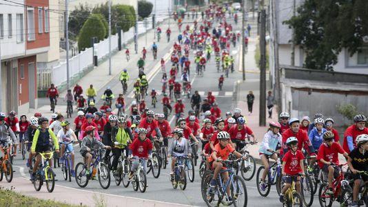 Búscate en el álbum del Día de la Bicicleta de As Pontes