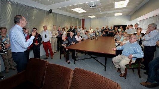 Visita de suscriptores de Arousa a la sede central de La Voz de Galicia