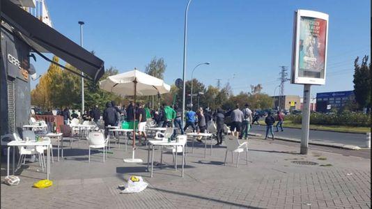 Batalla campal entre aficionados del Alaves y el Racing de Santander