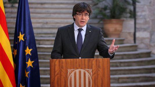 Puigdemont no se da por destituido y llama a hacer «oposición democrática» al 155