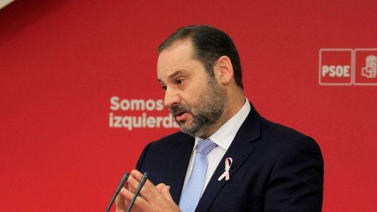 Ábalos (PSOE) critica la «cobardía permanente» de Puigdemont