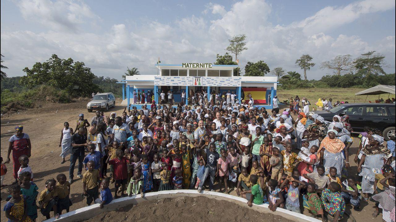 El estado del mar podría retrasar al domingo la llegada de los migrantes.Imagen tomada por Marcos Rodríguez en su último viaje a Costa de Marfil, cuando se inauguró la maternidad impulsada por Égueire