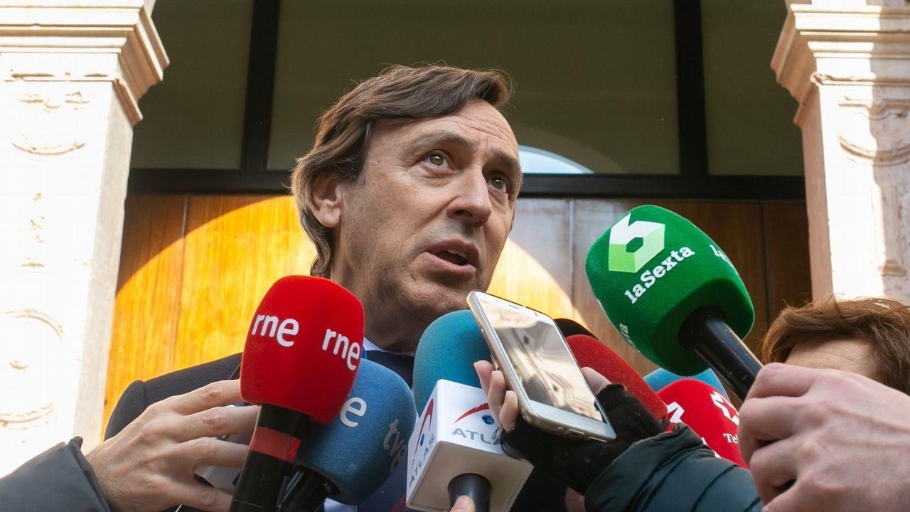 Sánchez busca en Vigo el voto de los que quieren una «opción moderada».Antonio Budiño es general de división del Ejército