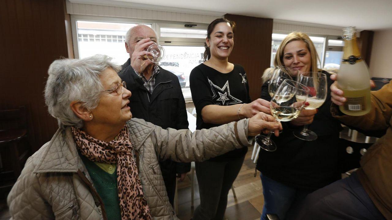 Fiesta en el bar Dólar, de Lugo.Celebración en el Dolar