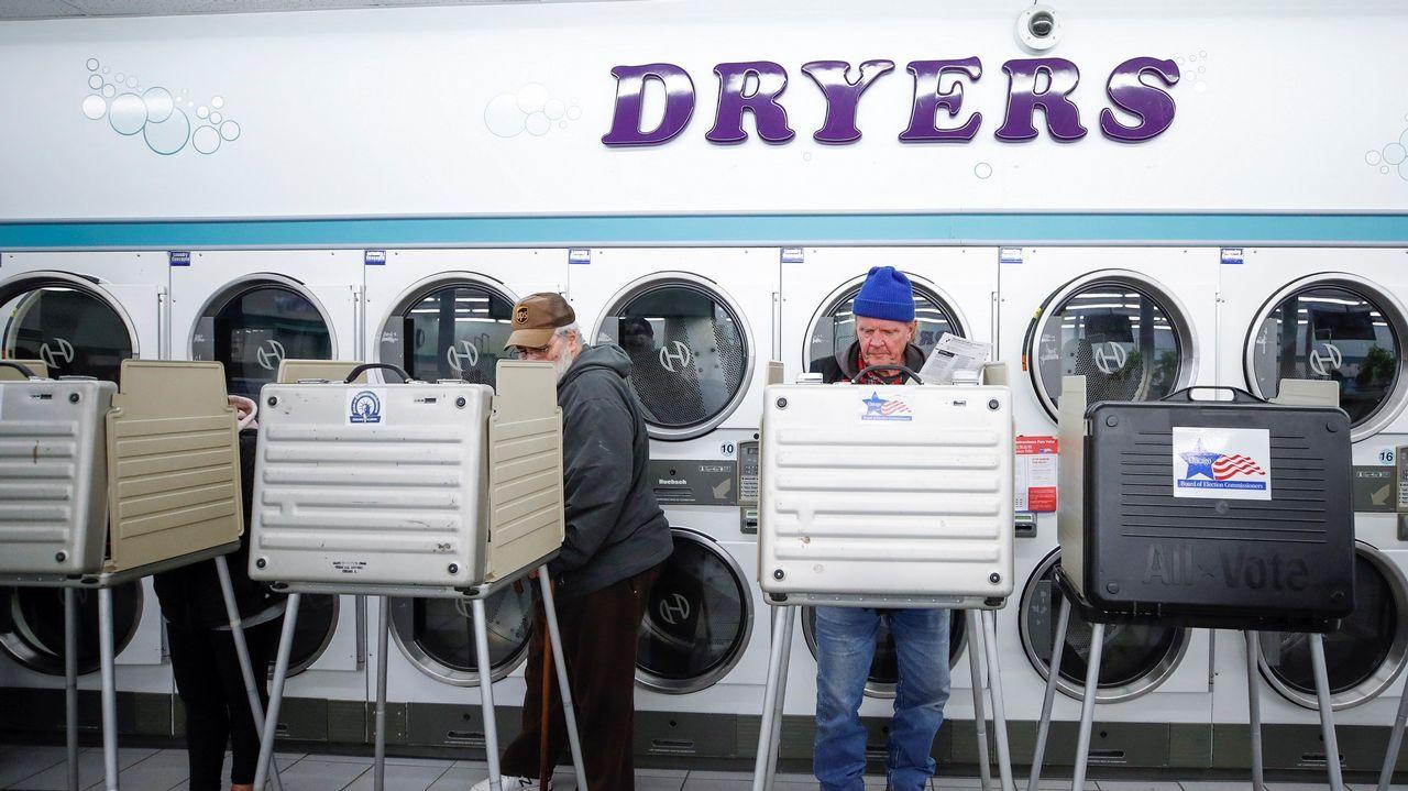 | EFE.Uno de los centros de votación de Chicago estaba en una lavandería