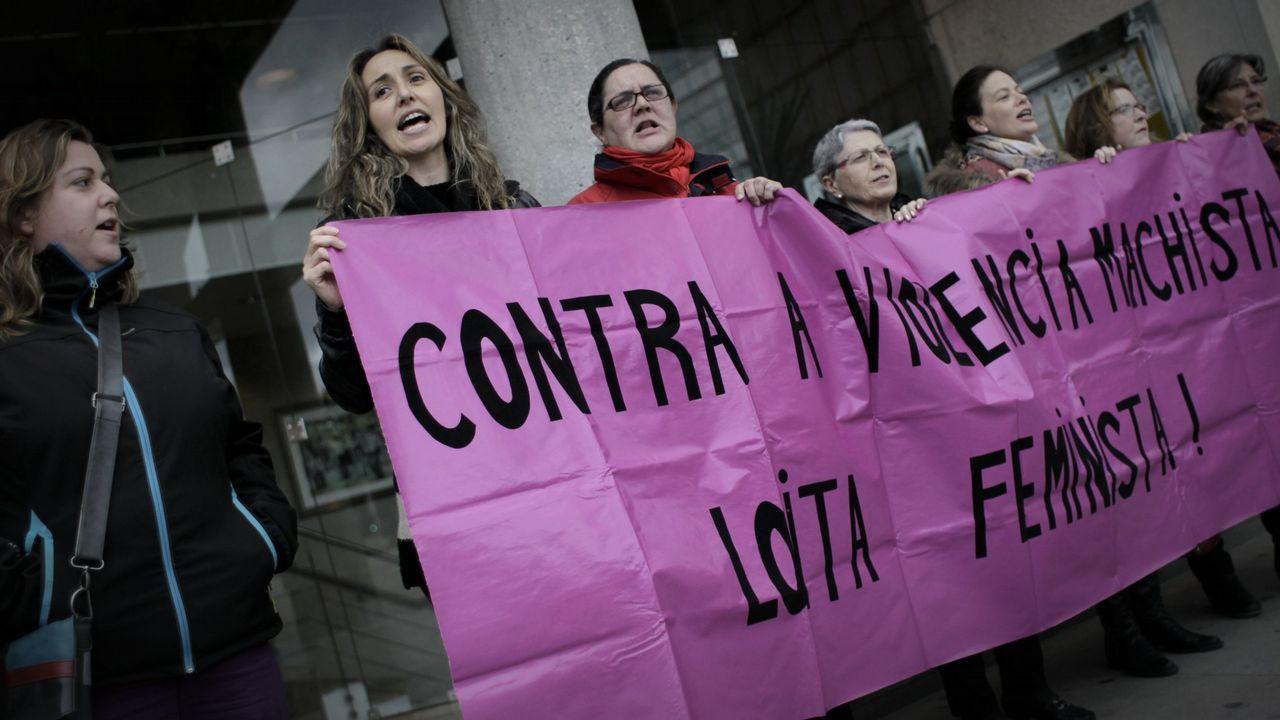 .CONCENTRACIÓN CONTRA LA VIOLENCIA MACHISTA EN A CORUÑA