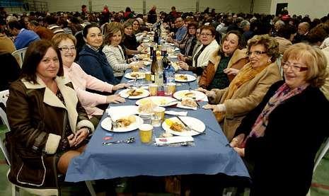 Las juntas locales de la AECC se unieron a la iniciativa solidaria de Cáritas.