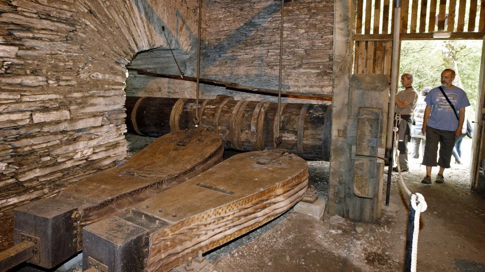 Grandes fuelles en la ferrería de Seoane do Courel