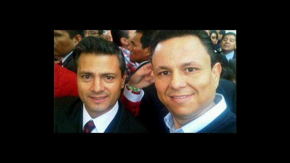 Rafael Celaya, con Enrique Peña Nieto