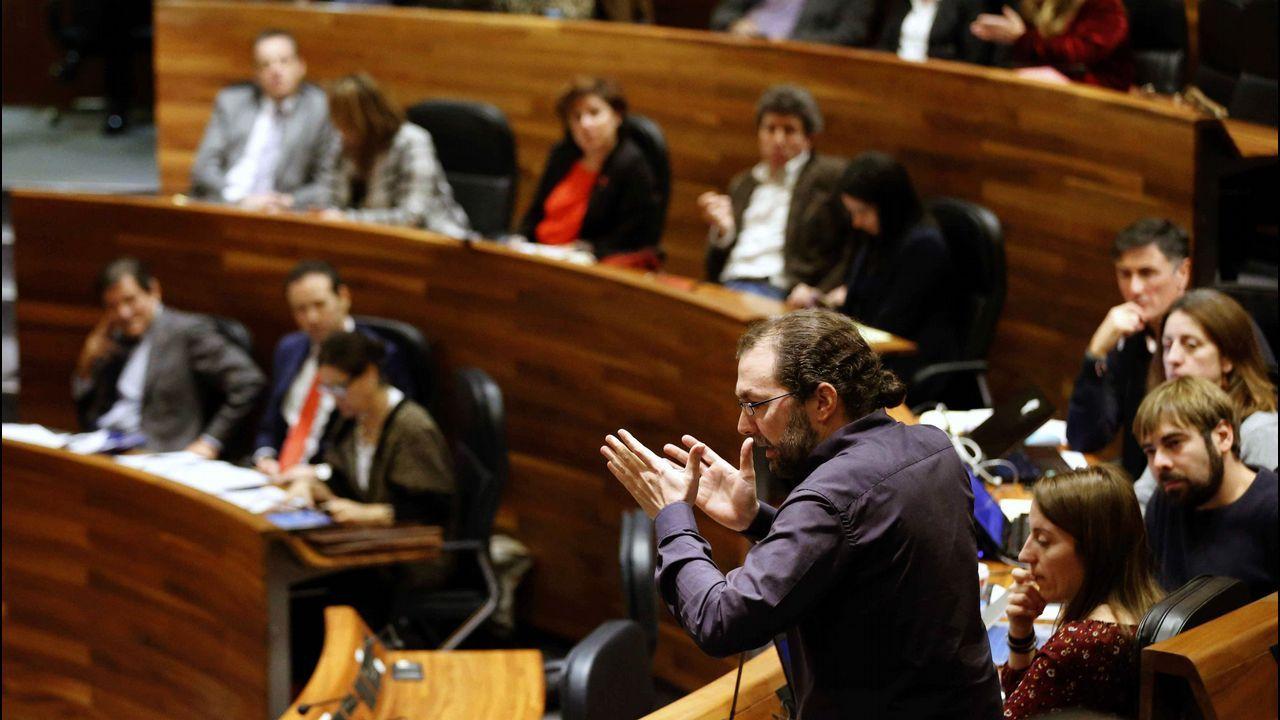 Irene Montero en el Congreso. El portavoz de Podemos en la Junta General, Emilio León