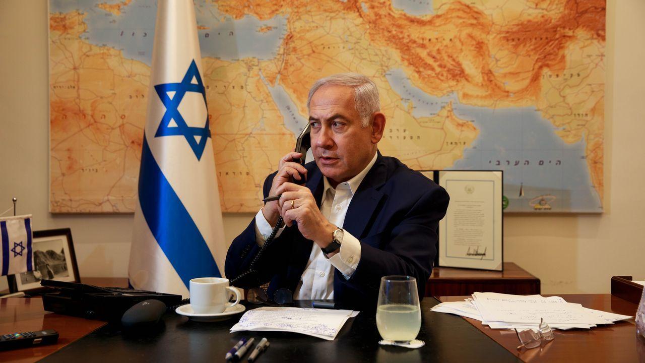 Las imágenes del primer ensayo de Miki.Benjamin Netanyahu, momentos antes de votar