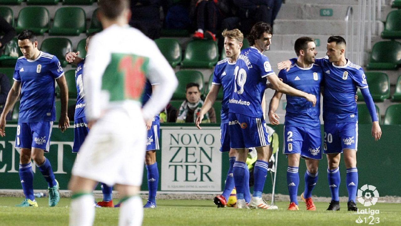 Gol Joselu Elche Real Oviedo Martinez Valero.Los jugadores del Real Oviedo celebran el gol de Joselu