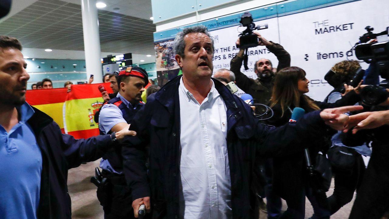 El exconseller Joaquim Forn, recibido con gritos de «a prisión»