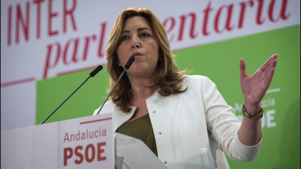 Susana Díaz pide a Besteiro un paso más.El alumnado que participó en la prueba, con docentes que les prepararon, ayer en el centro.