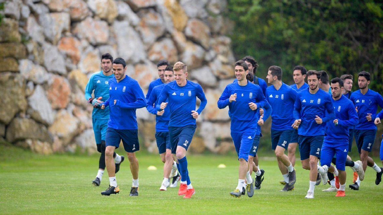 Los jugadores del Real Oviedo en El Requexón