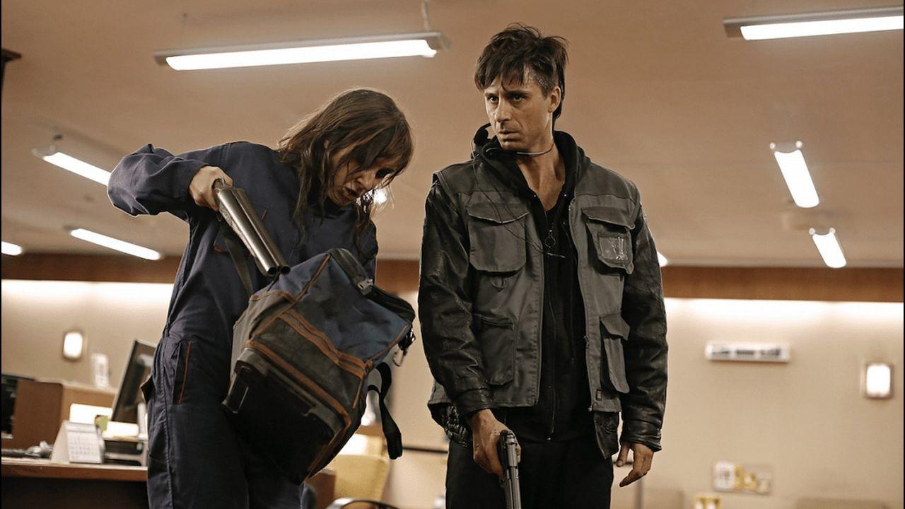 Fotograma del filme dirigido por Koldo Serra y protagonizado por los actores Emma Suárez, Nathalie Poza y Hugo Silva