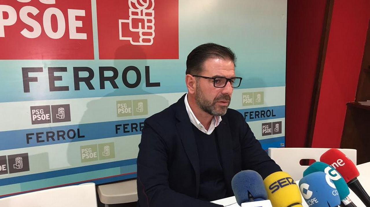 La respuesta viral de un asturiano aal cierre de un gallinero en Soto de Cangas por la denuncia de un hotel rural.Ángel Mato