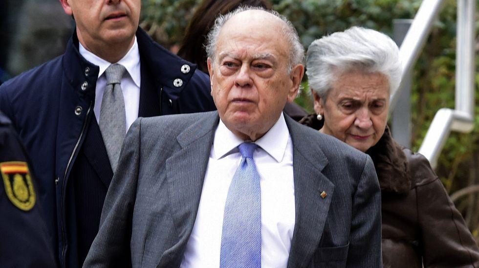 Marta Ferrusola y su lenguaje en clave para hablar con la Banca Reig.Jordi Pujol y su mujer, Marta Ferrusola, tras declarar en la Audiencia Nacional en febrero del 2016