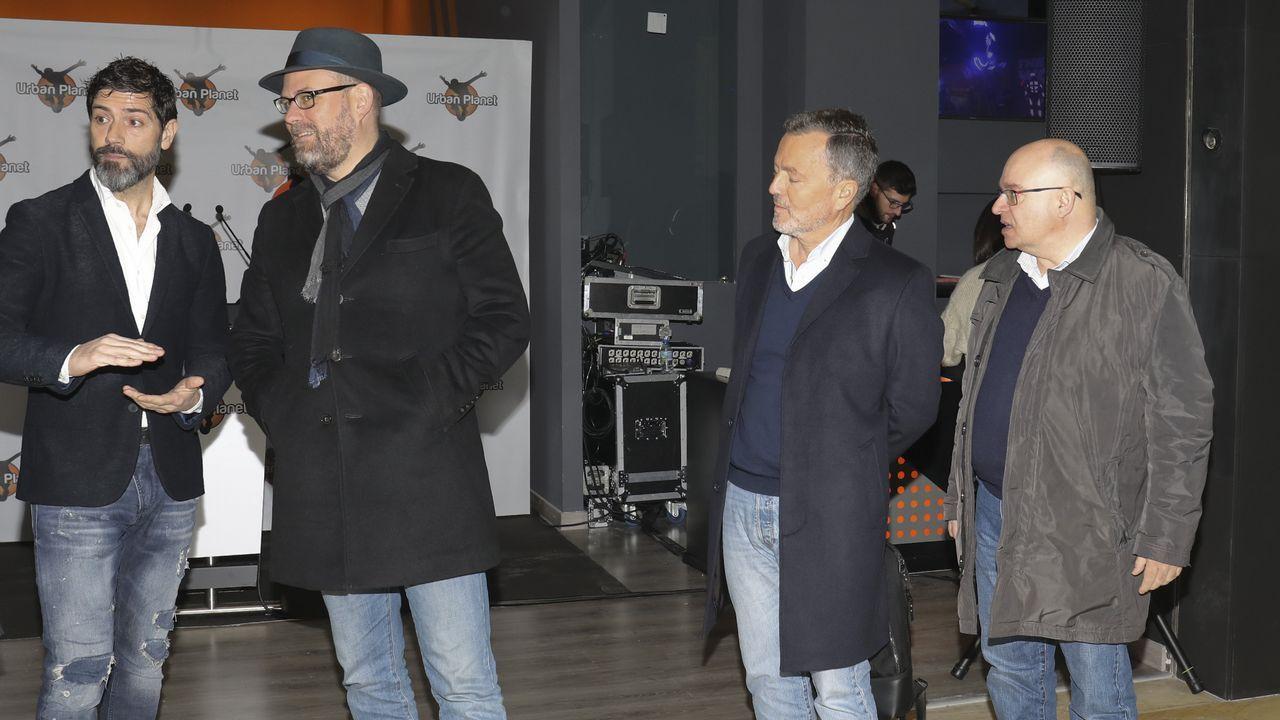 Casas compostelanas con personajes históricos.Luís Villares y Xosé Manuel Beiras