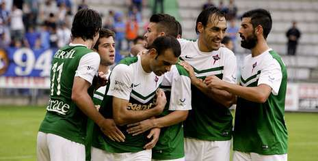 Manolo García espera aprovecharse de la ansiedad del Burgos por ganar el partido.
