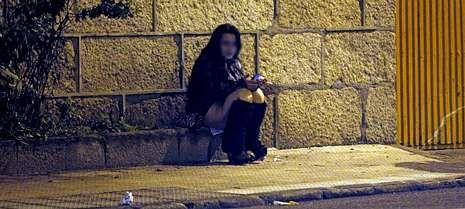 Justin Bieber, grabado dormido.Una mujer, esta misma semana, por la noche, en una calle del entorno de Beiramar.