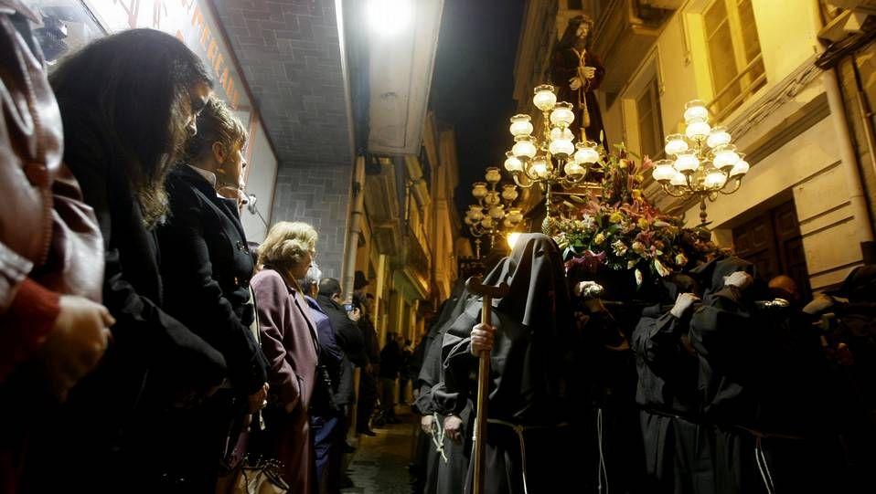 La Procesión del Via Lucis cierra la Semana Santa de Viveiro