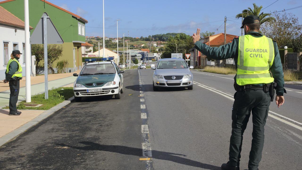 Intensifican la búsqueda del joven condenado por asesinato que se fugó de Teixeiro.Los Mossos intervinieron a Murillo un total de 16 armas y abundante munición