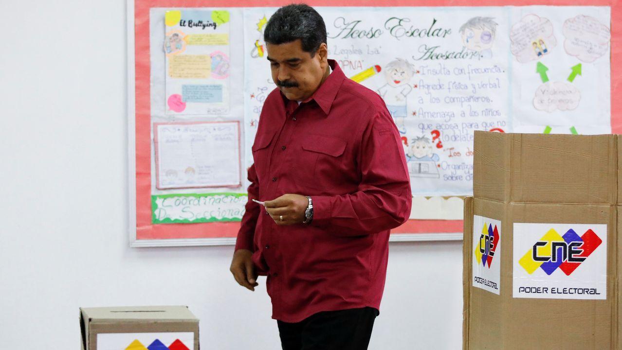 Maduro fue el primero en votar en su colegio electoral