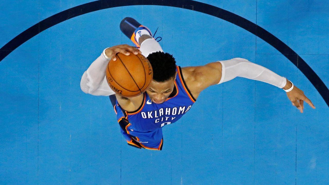 .Salto de Russell Westbrook durante su partido con los Thunder