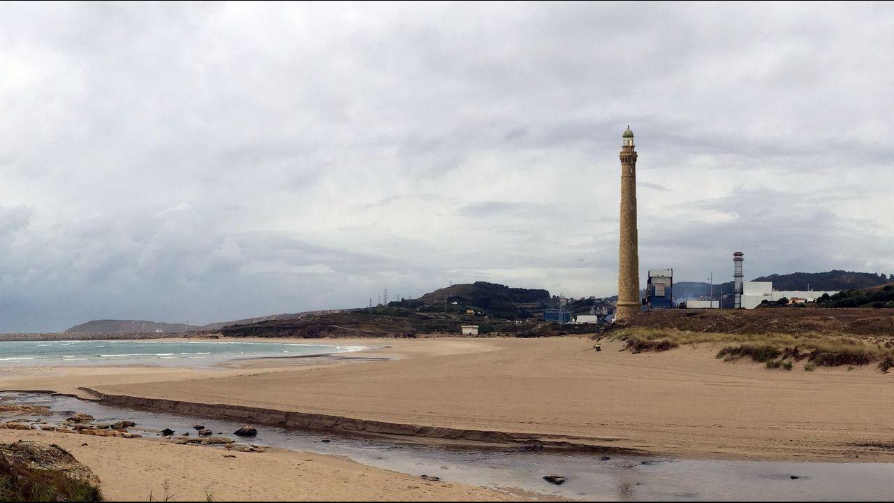 Propuestas de Arquitectura para convertir la chimenea de Fenosa en Sabón en nuevo emblema para el puerto exterior de Punta Langosteira.